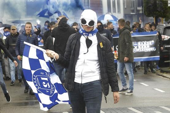 Spakenburgse derby verdeelt zelfs families in twee kampen