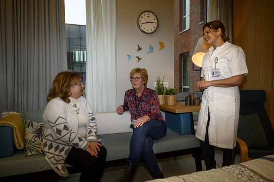 Zaans Medisch Centrum veraangenaamt overlijden met mobiele hospice unit: 'Het voelt meer als een woonkamer'