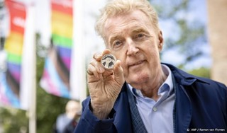 Eerste Pride Amsterdam-munt geslagen ter ere van 25-jarig bestaan