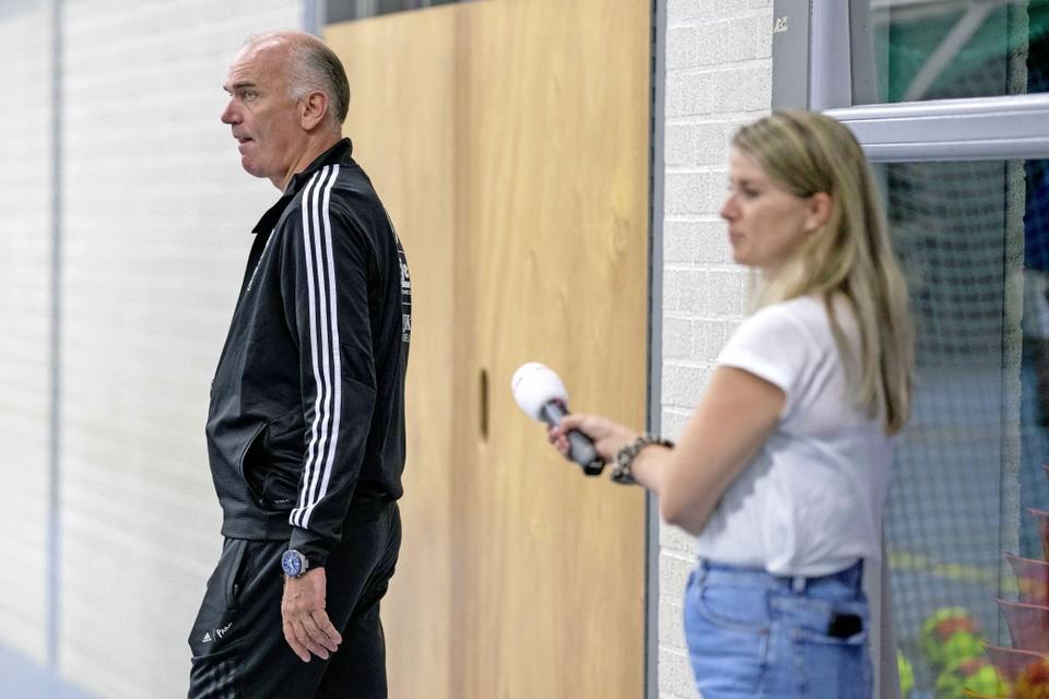 Coach Martijn de Veij kon de bijzondere reis van Texel naar de eredivisie ook tegen de NOS vertellen.