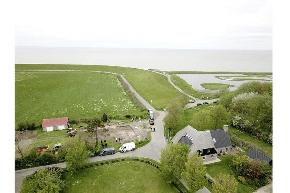 Dronefoto van de plek op Vatrop waar de opgraving werd gedaan.