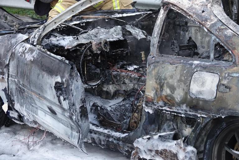 Auto vliegt in brand op A7 bij Zaandam
