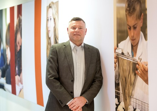 Directeur van Hoofdvaart College in Hoofddorp kijkt met smart uit naar nieuw gebouw: 'Huidig gebouw is klimatologische ramp'