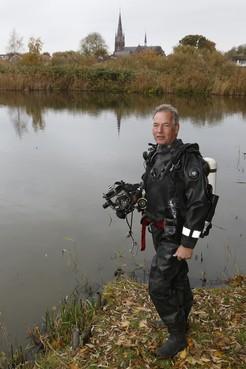 Gijs Klok uit Nederhorst is oudste brandweerduiker van Nederland: 'Paniek is bij een ongeluk de grootste vijand'