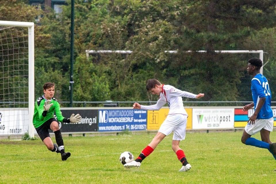 Bij de duels om de KNVB Regiocup - waaronder de wedstrijd SVIJ-Stormvogels - spatte het plezier ervanaf.
