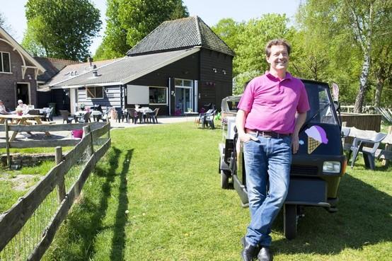 IJsboerderij in Santpoort-Noord wil grotere, nieuwe keuken. 'Die is aan een metamorfose toe', zegt uitbater John Bil