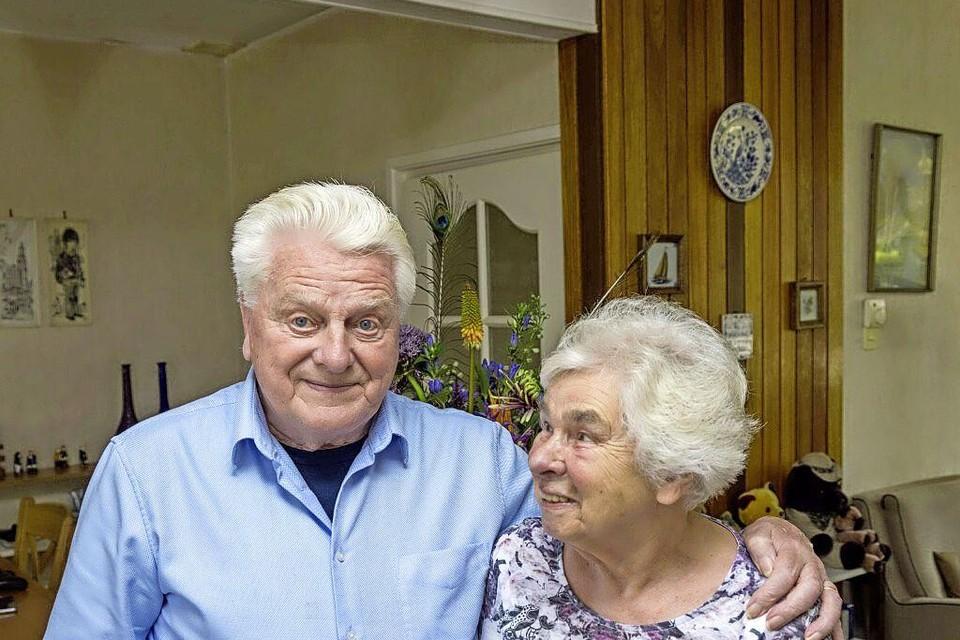 Paul Schutte en Elly Dentz in Bovenkarspel zijn zestig jaar met elkaar getrouwd.