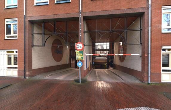 Hoorn gaat langparkeerders uit garage 't Jeudje slepen