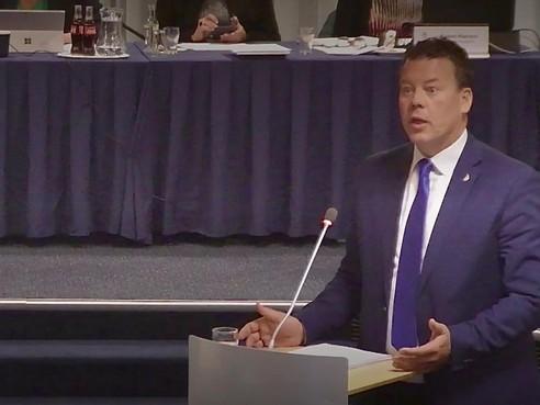 Hoornse wethouder Ben Tap door het stof na motie van treurnis over 'onjuist en te laat informeren'