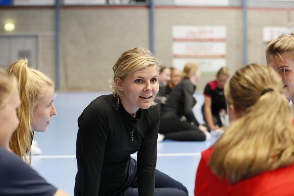 Als Jane Kramer aan het woord is, dan luistert de rest. Zij is de nieuwe aanvoerster van JuRo Unirek/VZV. Gekozen door het team.