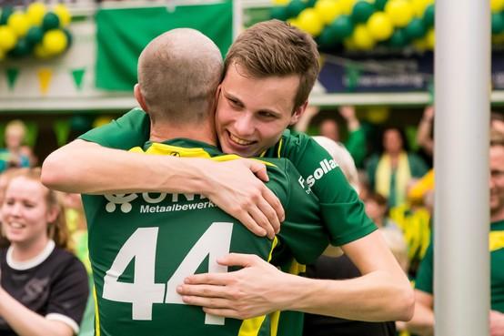 Vreugdetranen vloeien volop bij Groen Geel, promotie naar korfballeague is binnen: 'Onwerkelijk, waanzinnig'