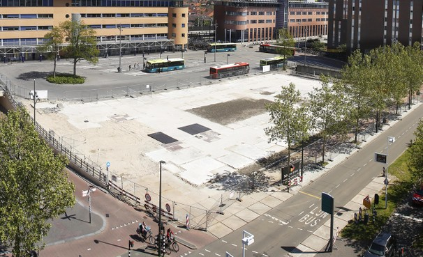 Hekken rond terrein GAK-gebouw Hilversum snel weg voor iets 'leuks'