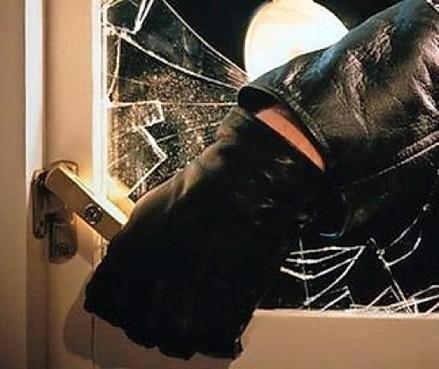 Bewoners Akersloot sluiten zichzelf op in slaapkamer tijdens inbraak