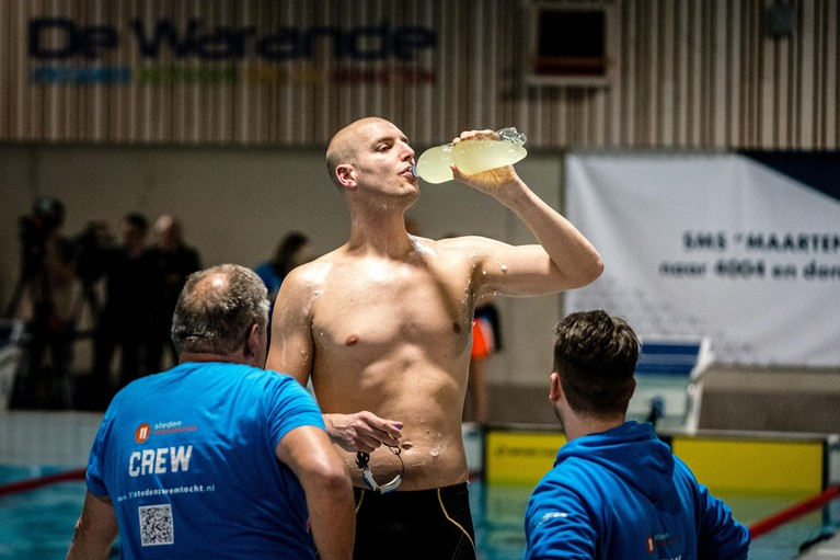 Maarten van der Weijden staakt recordpoging