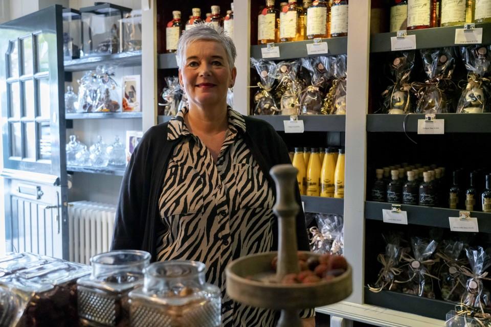 Verkoopster Natascha van der Wal in chocoladewinkel Sjokolaatje.