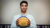 Benicio Leons (18) speelt basketbal op hoog niveau. 'Je kunt geen wedstrijd winnen als je ruzie maakt'