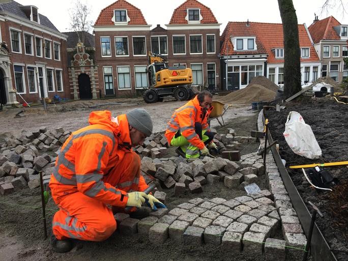 Kerkplein in Hoorn, lange tijd een verrommeld stukje stad, wordt 'prachtig, prachtig, prachtig'