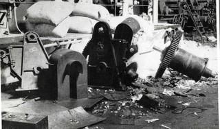Papierfabriek Van Gelder in Wormer werd tijdens de Tweede wereldoorlog geplunderd door de Duitsers.'Er verdwenen tonnen aan al dan niet kostbare joodse eigendommen in de stortkokers.'