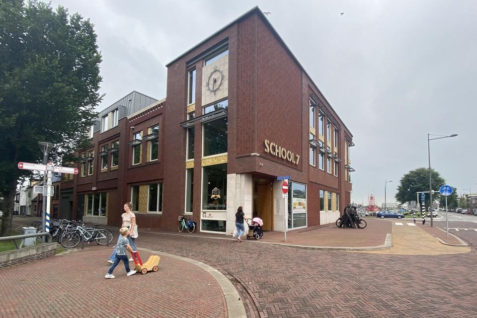 De bibliotheek zit nu aan de Keizersgracht in Den Helder.