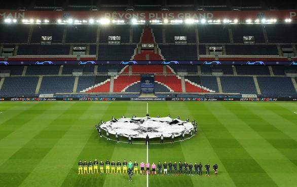 VVV-AZ en Roda JC-Telstar lijken te worden gespeeld in Asterix en Obelix-dorpjes