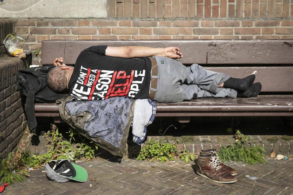 Nu al slapen mensen in West-Friesland noodgedwongen op straat.