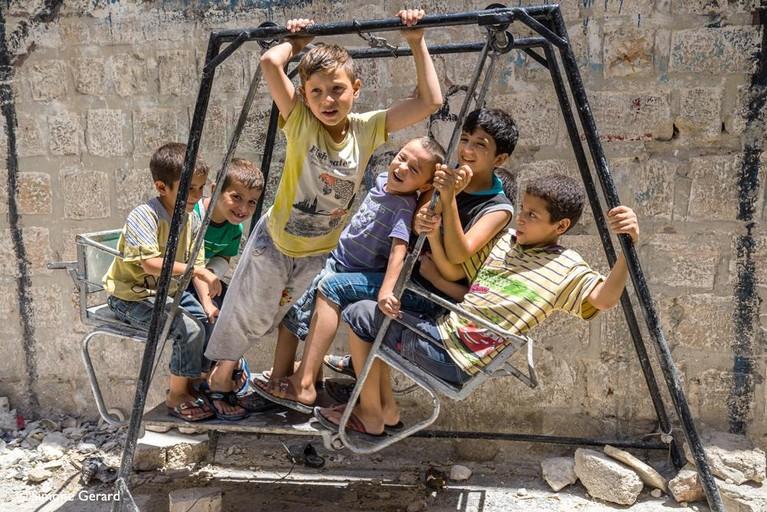 Wat Simone bijbleef van Aleppo zijn vooral de kinderen. 'Ze hebben niks en vaak kennen ze alleen de oorlog. Toen ontmoette ik Abdallah'