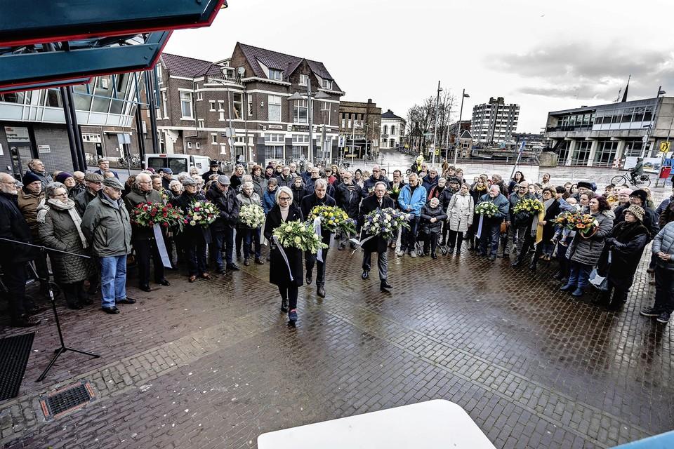 Vorig jaar kon de herdenking van de Februaristaking in Zaandam nog wel op traditionele wijze plaatsvinden, maar wel op een andere plek.