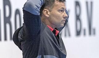 Mark Ortega heeft twee dagen om 'koppies omhoog' te krijgen van handballers Volendam na forse nederlaag in derby tegen Aalsmeer