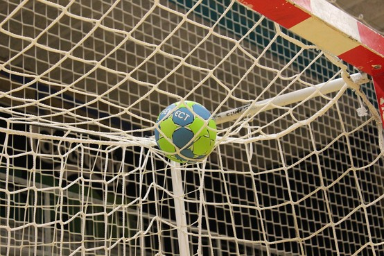 Handbalclub Blokker kan geen jeugd trekken in verouderd complex