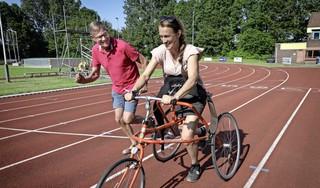 'Zittend lopen' met framerunner bij atletiekvereniging Hollandia in Hoorn [video]
