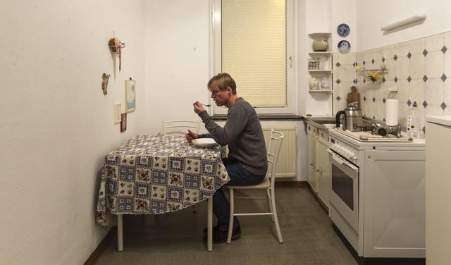 Kamers in kamers als kunst in oude Amerikaanse ambassade