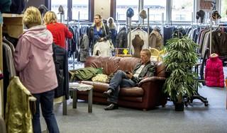 Nieuwe Dorcaswinkel Andijk open