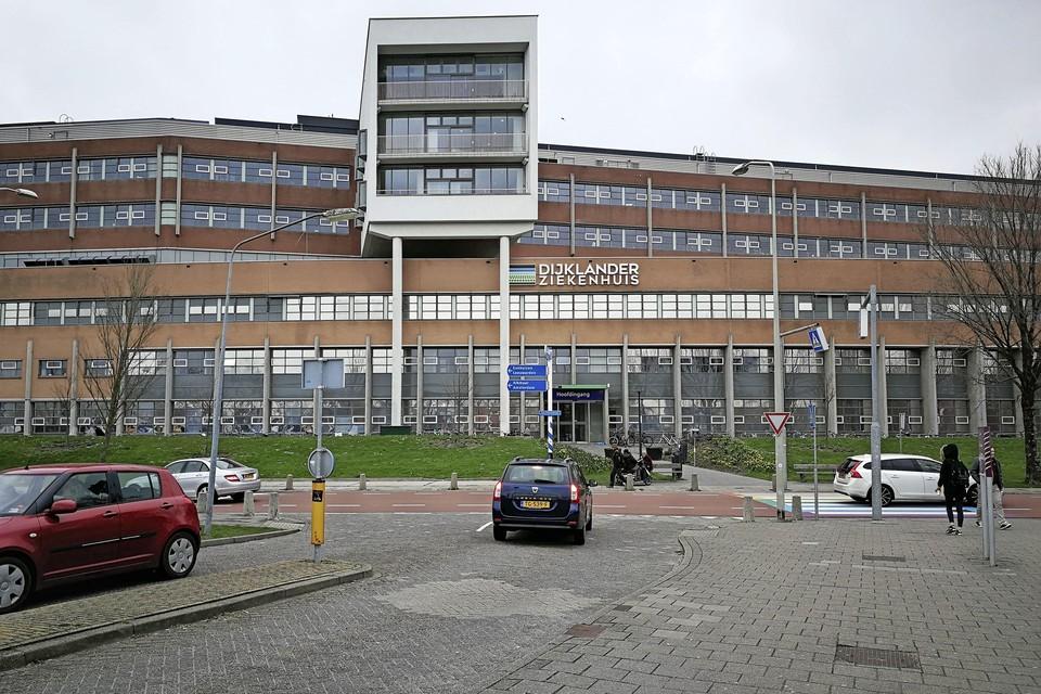 Het Dijklander Ziekenhuis wijst bezoekers op de coronaregels. Ook worden bezoekers gevraagd mondkapjes te dragen als ze niet anderhalve meter afstand kunnen bewaren.
