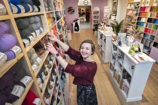 Rachel Swaab (26) van Happy Crafts in Haarlem: 'Nieuwe generatie enthousiast maken voor haken en breien'